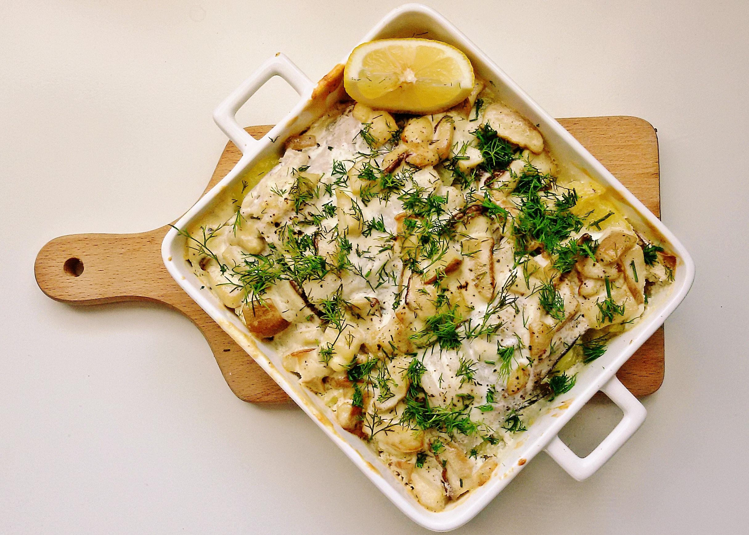 Czy warto jeść grzyby? Przepis na zapiekankę z borowikami