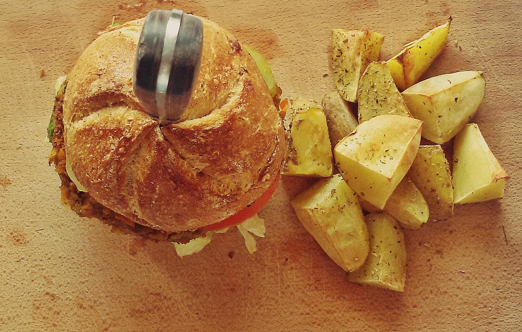 Wegański burger z soczewicą