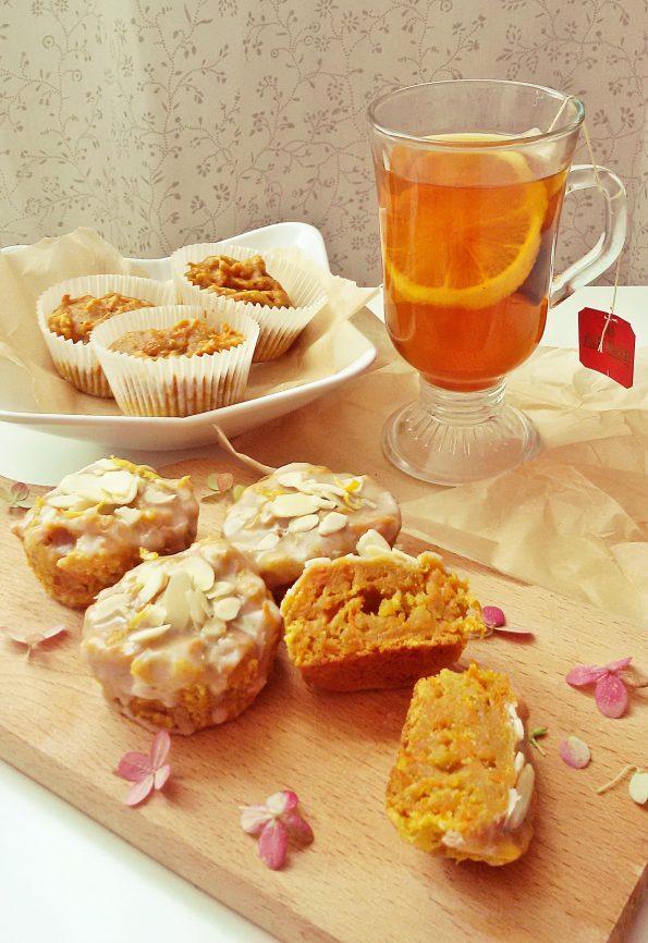 wegańskie muffinki marchewkowe