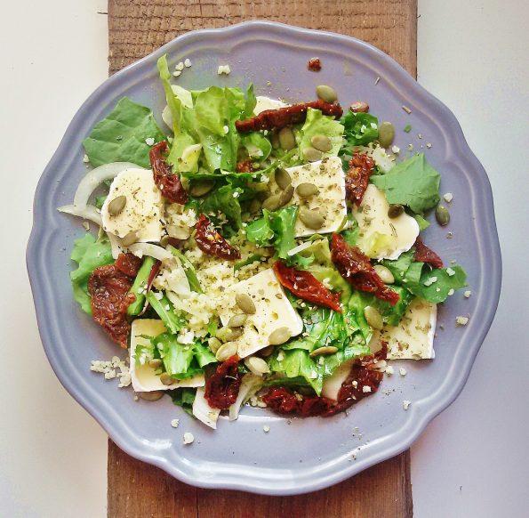 salatka z suszonymi pomidorami