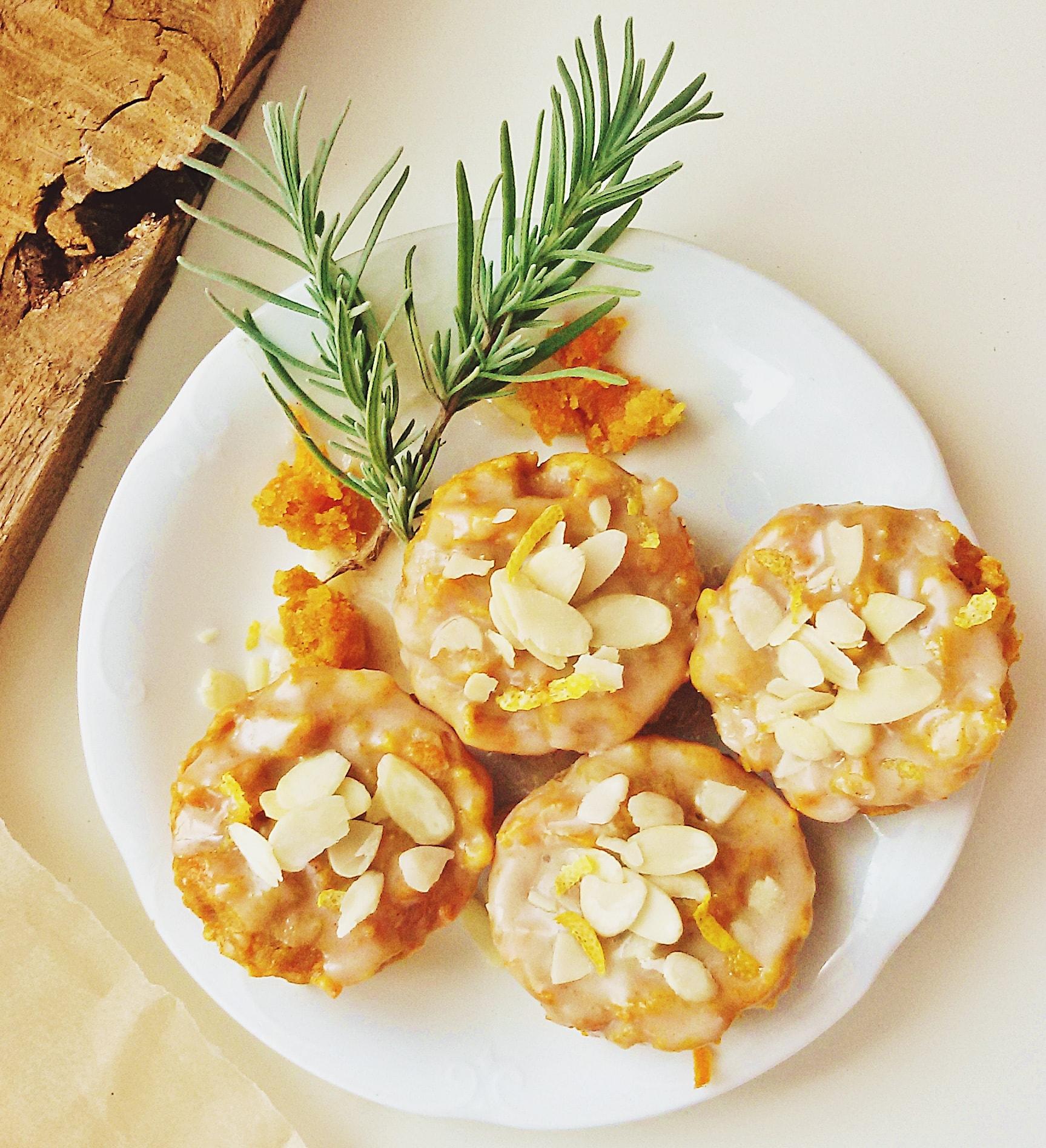 weganskie-muffiny-marchewkowe