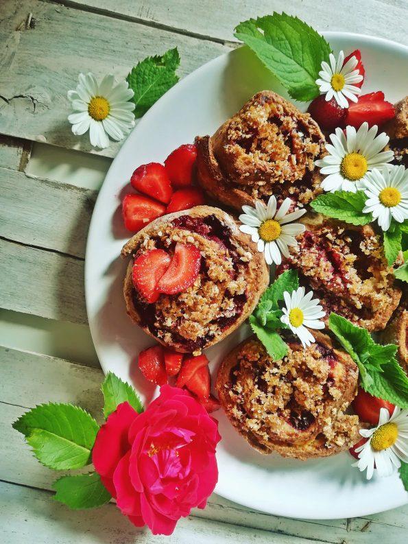 dietetyczne fit bułeczki z truskawkami