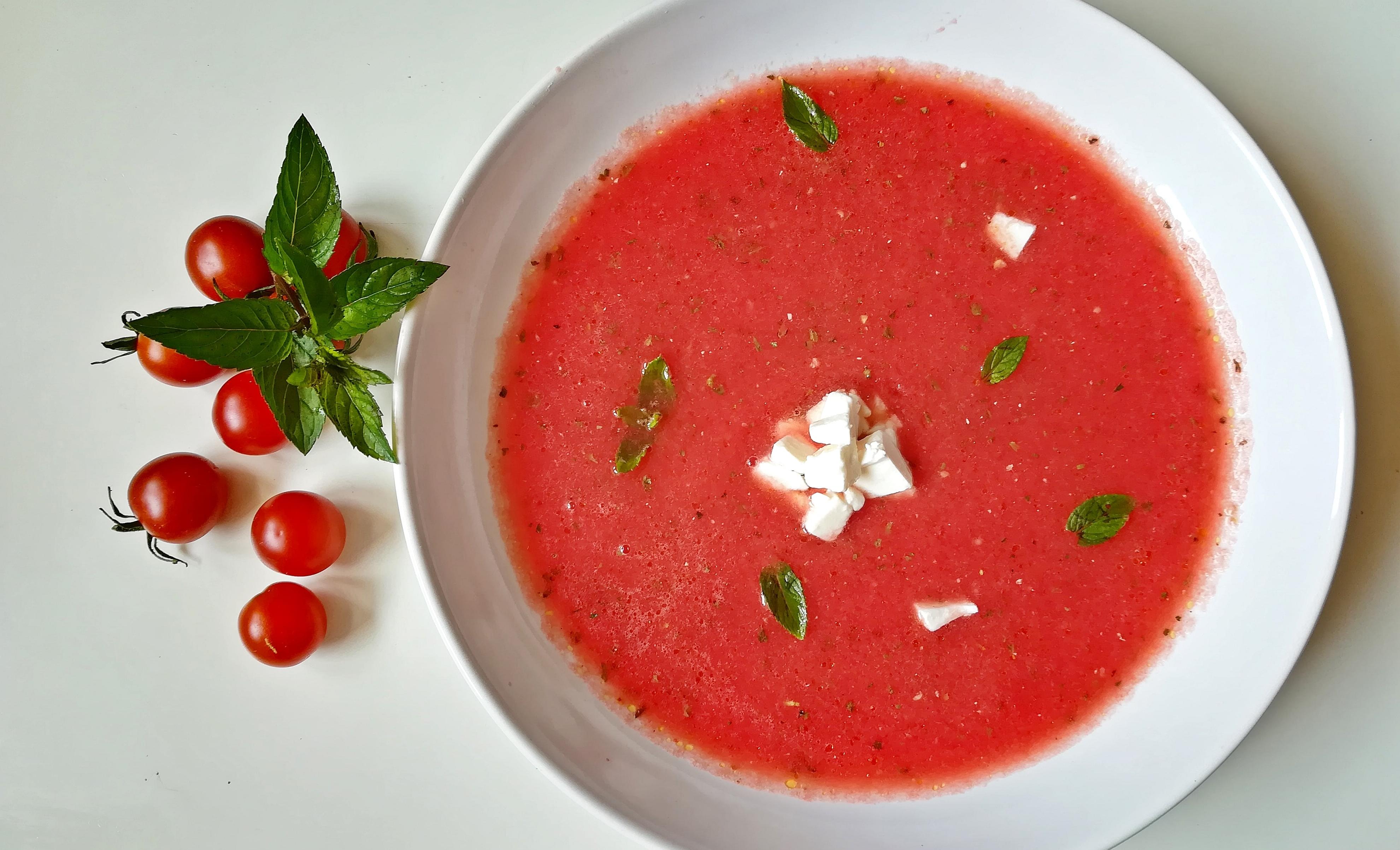chłodnik z arbuza i pomidorów