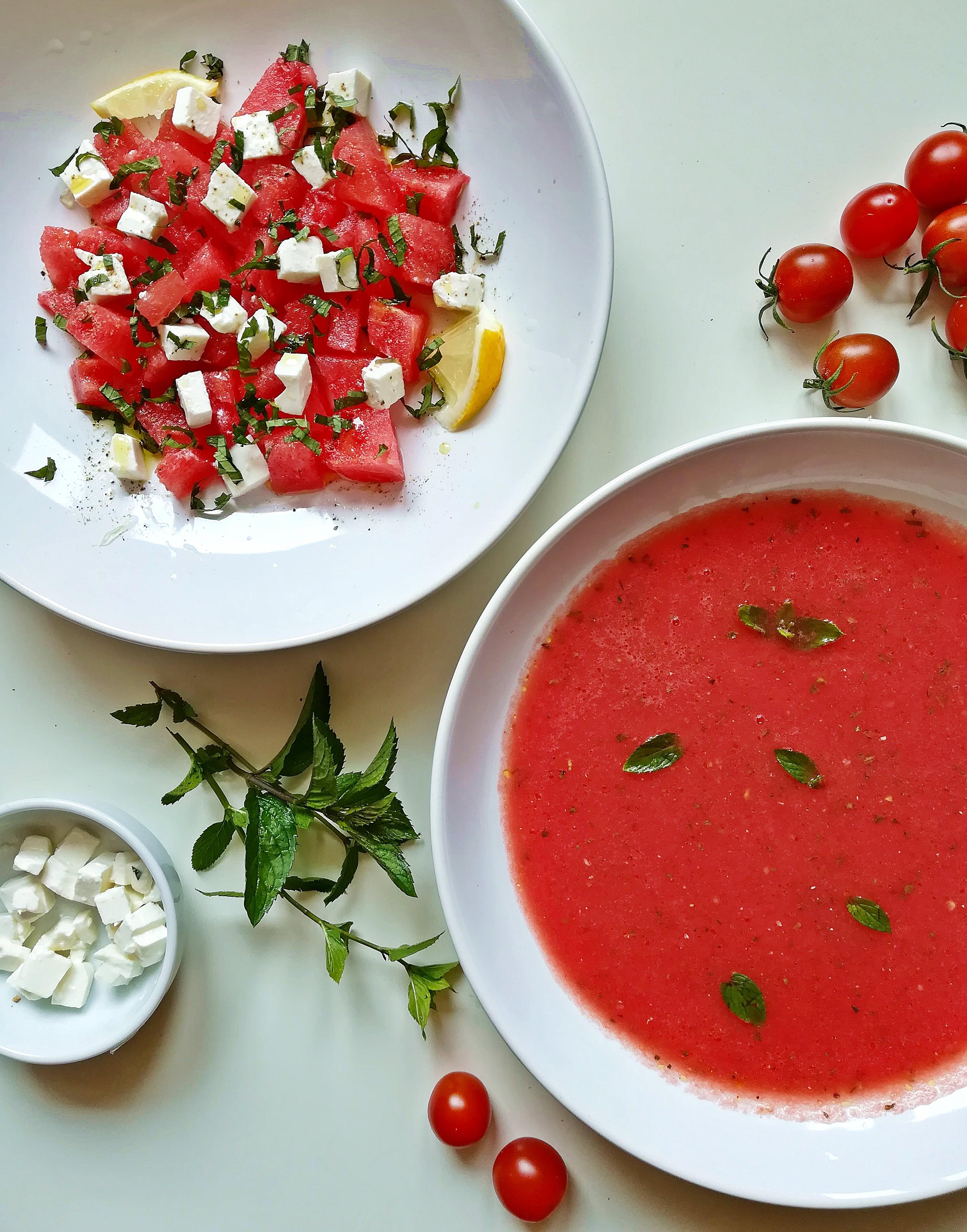 chłodnik i sałatka z arbuza