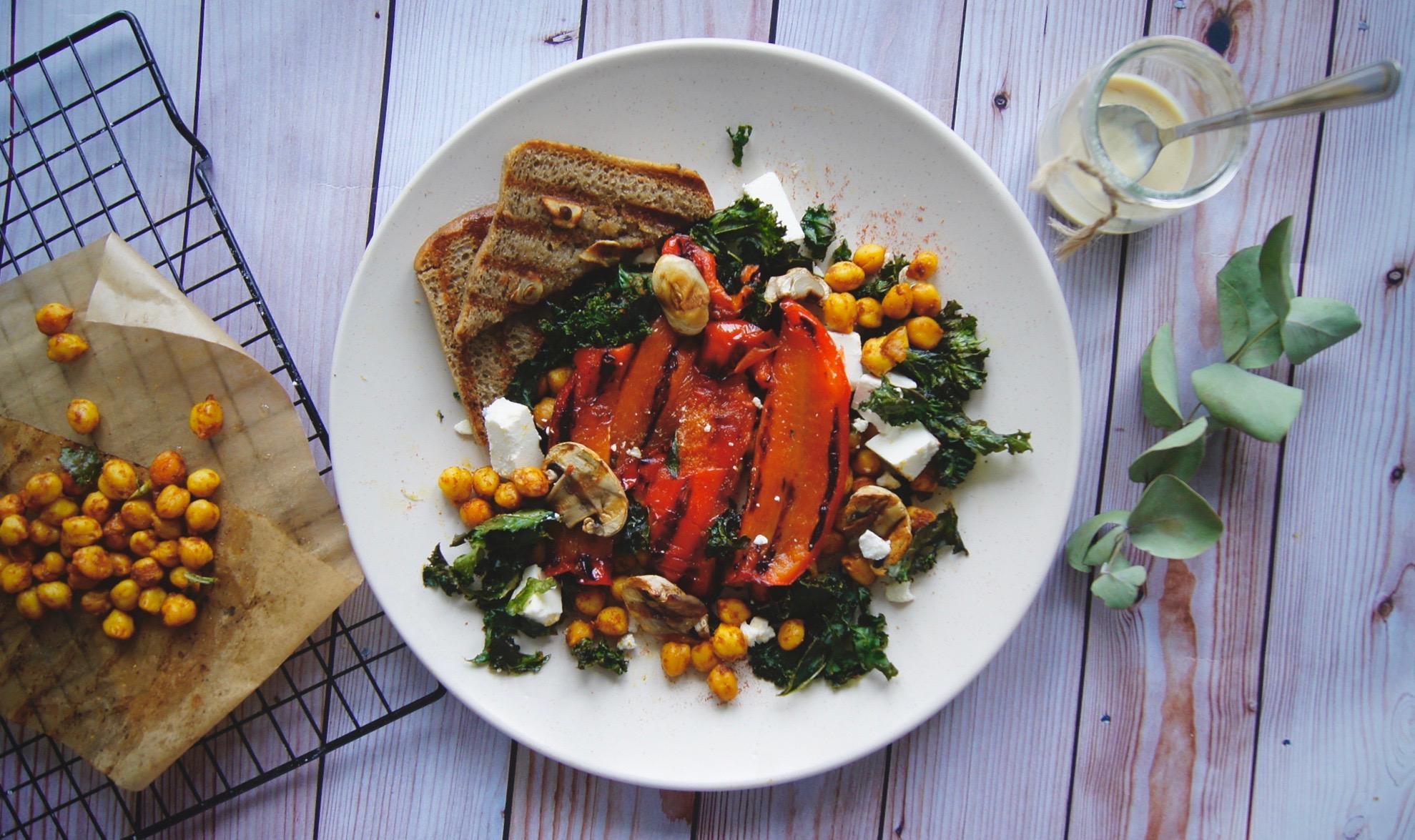 salatka-z-grillowana-papryka