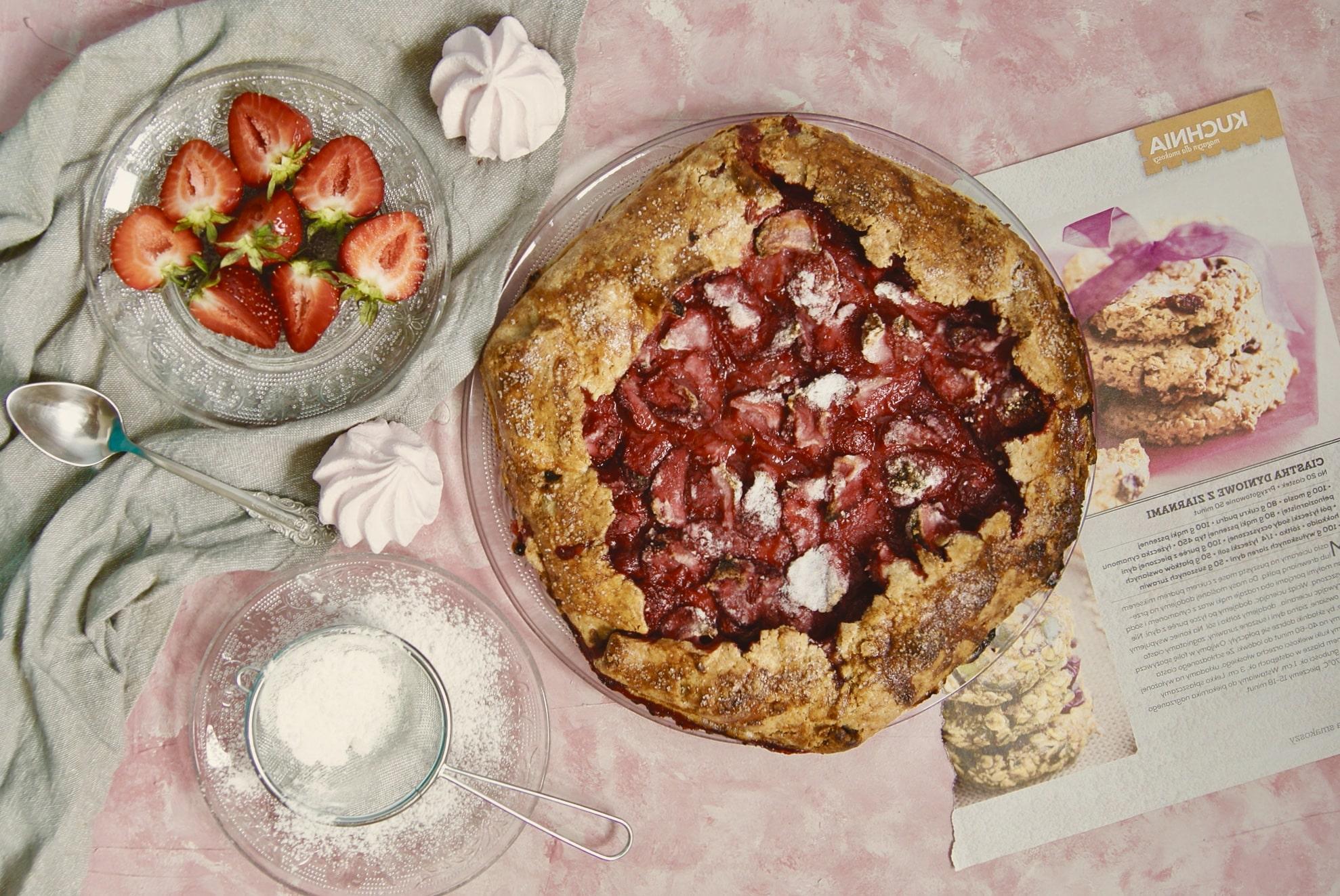 Ciasto galette z truskawkami