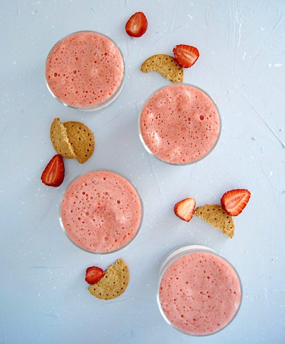 zdrowy-deser-z-truskawkami